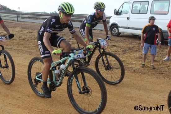 Carrasco durante los primeros kilómetros de la III XCM Monclova Desert -G.P. Michelin Exelagri